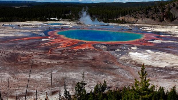 yellowstone-supervolcano-eruption-prediction