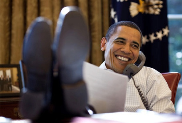 obama-feet-on-desk